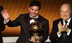 Messi-ballon_or_2012