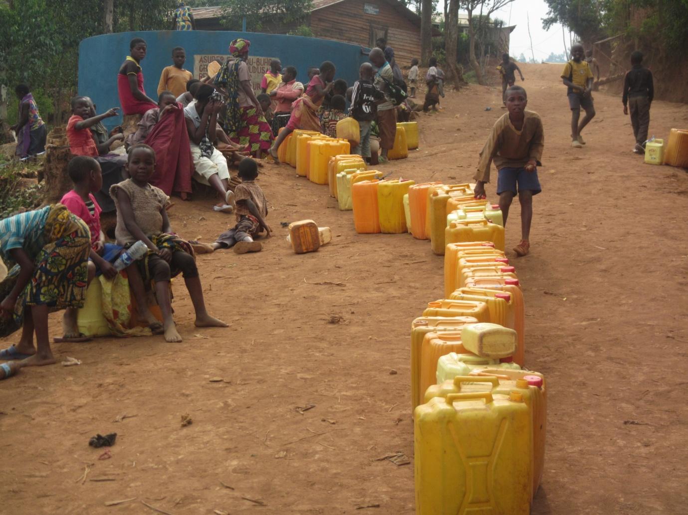 T moignage de rdc de l 39 eau potable il n 39 y en a presque for Prix forage eau potable
