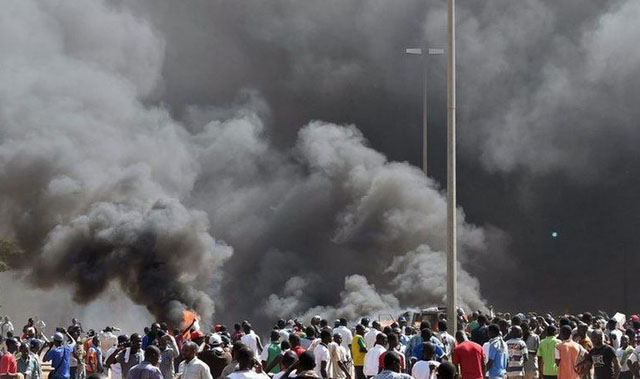 incendies-burkina-parlement