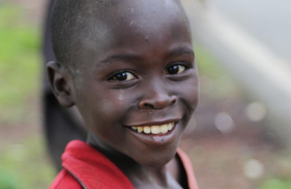 Un enfant au Rwanda près de Kibuye - Crédits photos: Thierry Barbaut