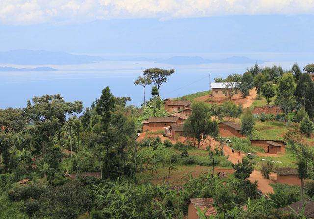 Terres au Rwanda près de Kibuye, Lac Kivu - crédits photo Thierry Barbaut