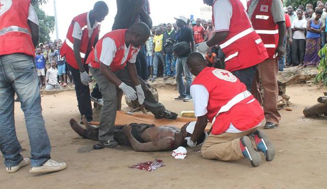 Les morts civils ne se comptent plus au Burundi, Bujumbura est sous les barricades et la vie impossible pour les habitants
