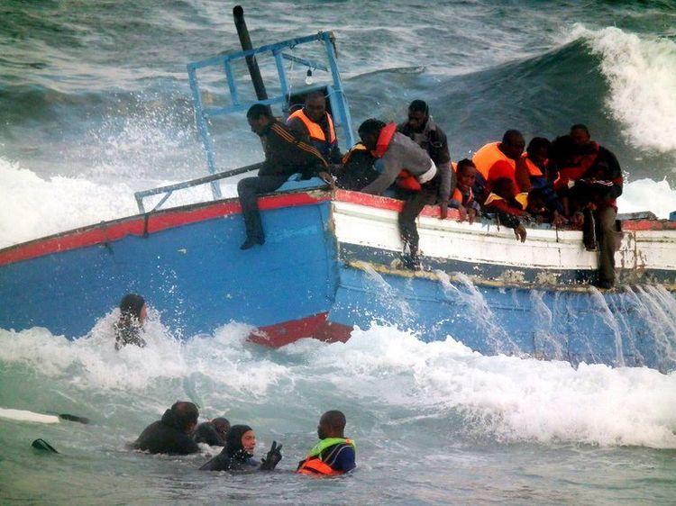Zarzis : Des pêcheurs tunisiens s'opposent au bateau C-Star