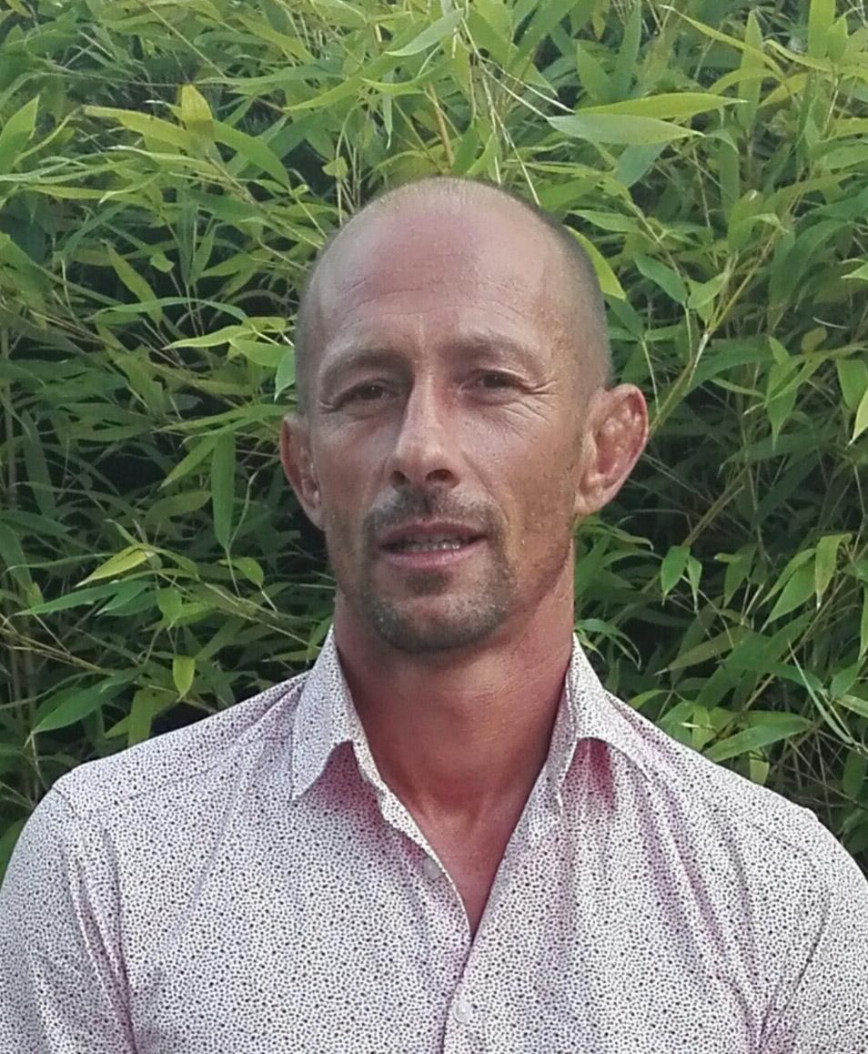 Olivier Cavernes est psychologue de la santé et sophrologue, il professe comme consultant RH depuis 15 ans auprès de grands groupes en France et en Côte d'Ivoire - olivier.cavernes@info-afrique.com