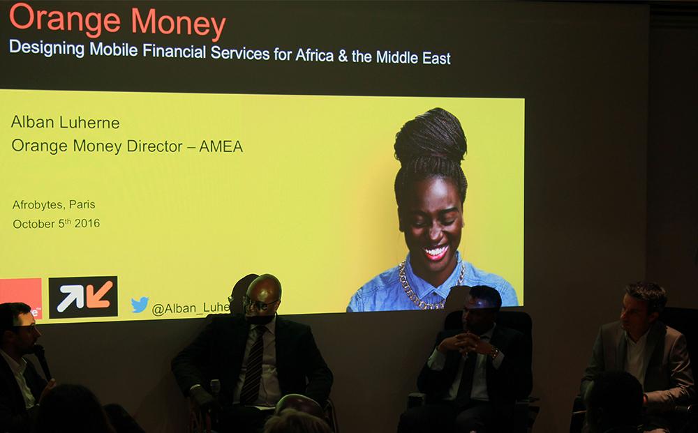 Alban Luherne présente Orange Money en Afrique - crédits Juha Nurminen