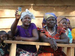 Le téléphone mobile est un levier de développement de entrepreneuriat - Photos Thierry BARBAUT - Côte d'ivoire 2017