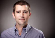 Chris Cox est le chef de produit de Facebook