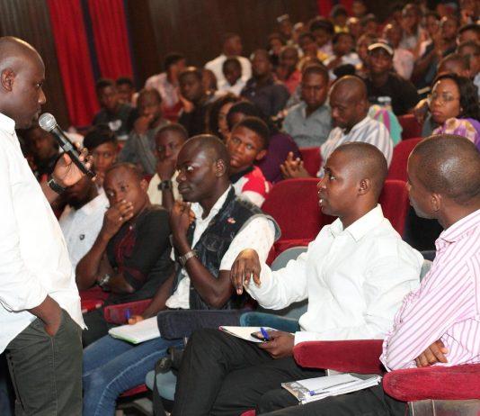 Avec son entreprise Tway Media Segun Abodunin a formé 5 000 jeunes aux techniques numériques en 2016