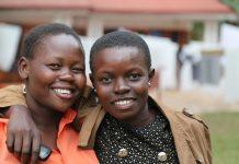 Des femmes qui cherchent un emploi en Ouganda - Crédit photo Thierry Barbaut www.barbaut.net