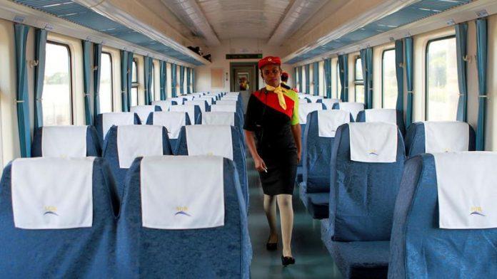 Le nouveau train, Madaraka Express, fierté du Kenya