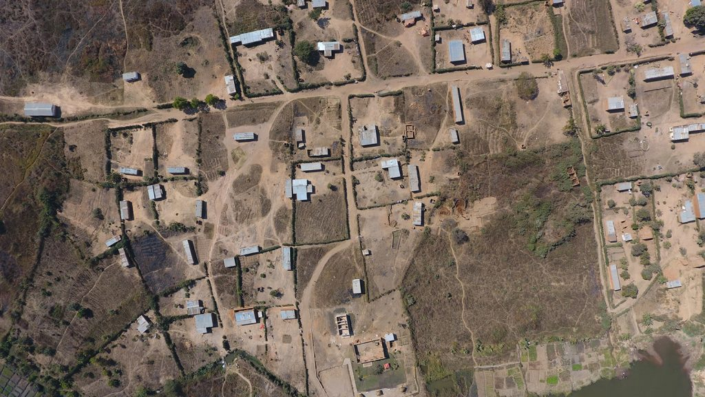 Un village touché par la famine en RDC - Photo prise en drone - Crédit photo Thierry Barbaut - www.barbaut.net
