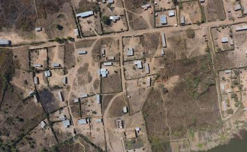 Un village touché par la famine en RDC - Photo prise en drone - Crédit photo Thierry Barbaut - www.barbaut.net