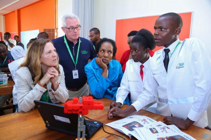 La Fondation Airbus lance un programme de développement pour la jeunesse au Kenya Airbus Little Engineer