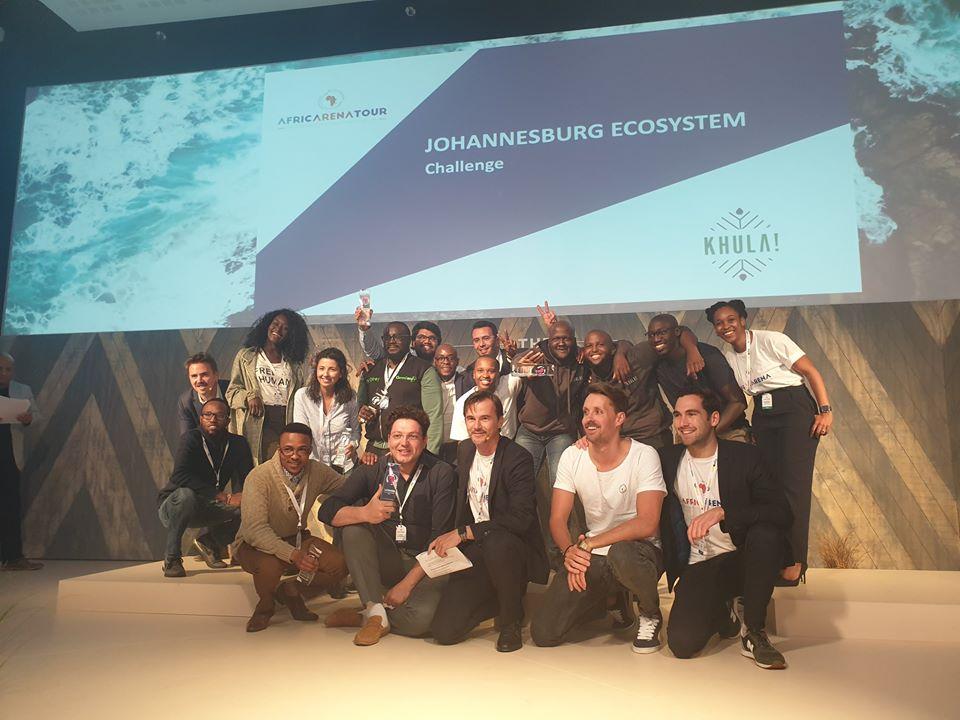 L'équipe Africarena avec en son centre Christophe Viarnaud le fondateur