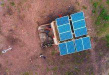 Moulins à moudre le mil solaire en Afrique au Sénégal