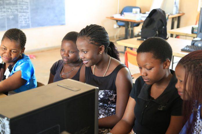 Femmes numérique et éducation en Afrique